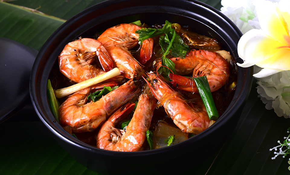 Thai Shrimp And Vermicelli In Clay Pot